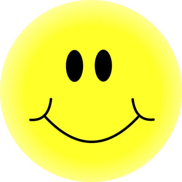 yellow-smiley-face-600x600 ぽっちゃりタイプのニコちゃんマークです。無料ベクターイラスト素材